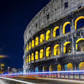 Speedlight Colosseum by Simone Angelucci - Buildings & Architecture Statues & Monuments ( italia, colosseo, light, italy )