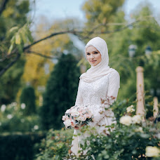 Wedding photographer Oksana Bazhaeva (Oksi85). Photo of 18.04.2017