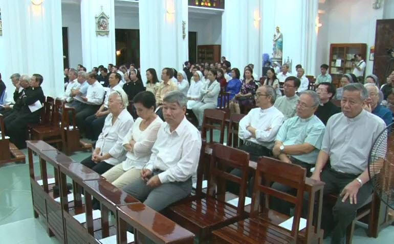 Nghi thức Tuyên thệ của Đức Tân Giám mục Luy Nguyễn Anh Tuấn - Ảnh minh hoạ 6