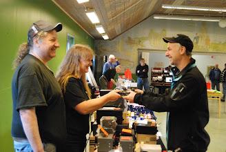 Photo: En BRA affär är när alla är nöjda. Visst ser Peter, Marie och Dennis nöjda ut?
