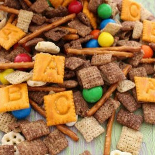No-Nut Back to School Trail Mix.