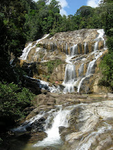 Photo: Sg Pandan waterfall, along the way between Kuantan & Sg Lembing