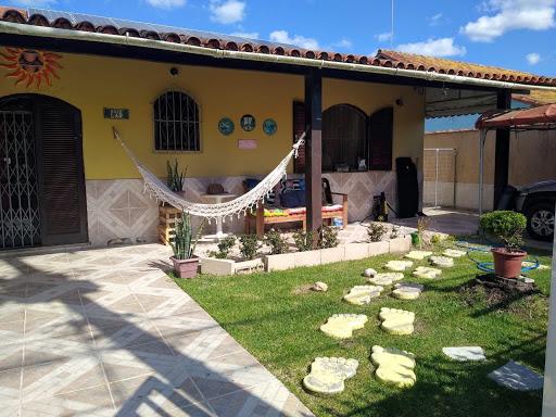 Magnífica Casa 5 Quartos, Suítes, Piscina, Área Gourmet, Quintal e Garagem - Araruama