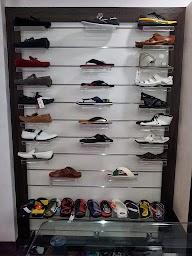 Pick N Choose ..The Boutique photo 3