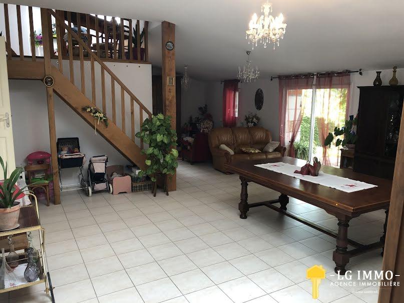 Vente maison 16 pièces 442 m² à Saint-Martial-de-Mirambeau (17150), 341 000 €