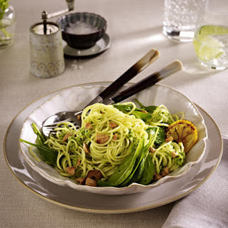 Spaghetti with Artichoke Purée, Spinach and Almonds