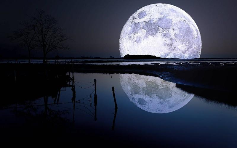 888B Giải mã-Ngủ mơ thấy mặt trăng