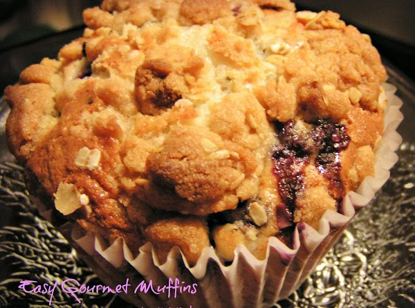 CRUMB TOPPING:  1/2 cup all-purpose flour 1/3 cup brown sugar 1 Tablespoon oatmeal pinch of salt 3 tablespoons...
