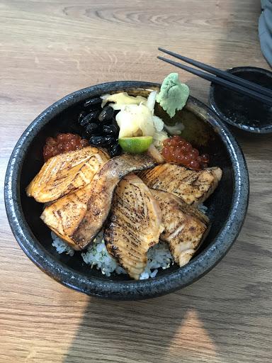 這裡的食材吃得到鮮度跟美味,而且每個餐點都會附上一碗CP值超高的味增湯,來過就愛上了😊
