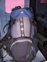 Photo: Tipa valizo de esperanta vojagxanto.