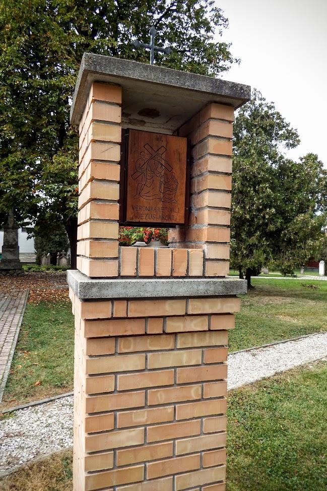 Dunaszeg - Keresztút a Kegyeleti Parkban