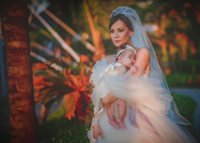 Wedding photographer Carlos Medina (carlosmedina). Photo of 29.01.2014