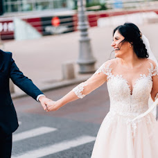Wedding photographer Alex Pasarelu (bellephotograph). Photo of 13.11.2018