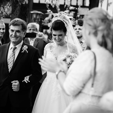 Wedding photographer Pesho Petrov (PeshoPetrov). Photo of 16.09.2017