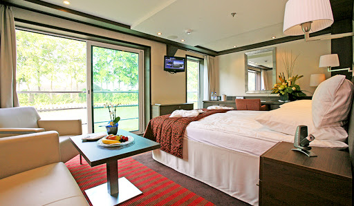 Avalon-Creativity-suite-2 - Wake up to a beautiful view of Europe sailing past your suite's French balcony on Avalon Creativity.