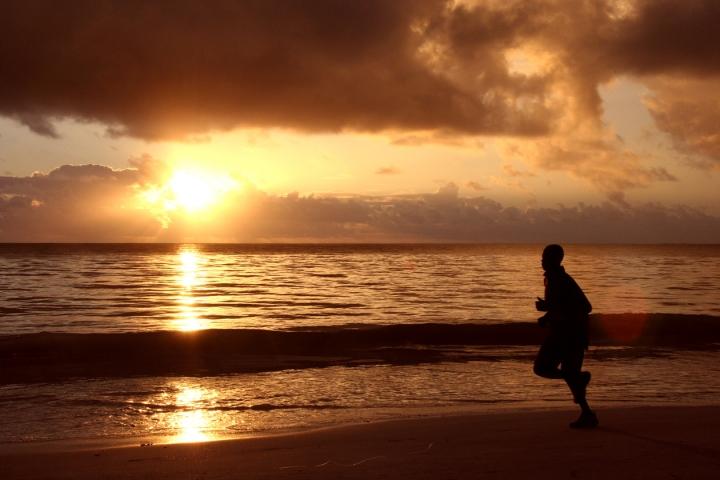 Jogging al tramonto di canone
