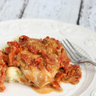 Healthy Chicken in Rich & Creamy Sun Dried Tomato Gravy.