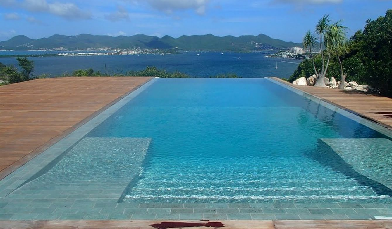 House with pool and terrace Saint-Martin