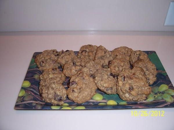 Black Walnut Raisin Oatmeal Cookies Recipe