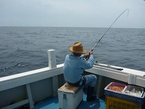Photo: ・・・その後、ウキはズボズボ入るけど、全部サメにとられた。  作戦失敗で、大移動!