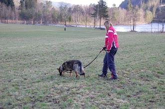 Photo: Ayla og Aina sporer, og Kari legger Ailos spor