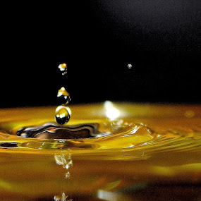 by Greera Smyth - Abstract Water Drops & Splashes ( @greerasmythphotography )