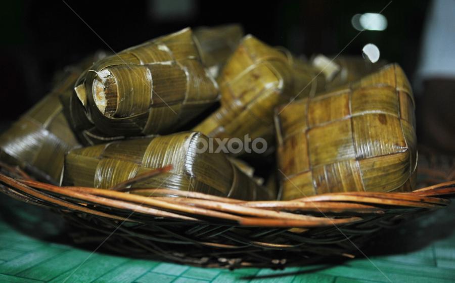Ketupat by Dino Rimantho - Food & Drink Eating ( coconut leaves, rice, indonesia, ketupat,  )