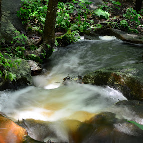 Small white water pool by Eddy Dufault - Nature Up Close Water