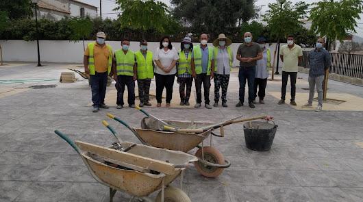 El PFEA embellece plazas y mejora servicios públicos de Huércal-Overa