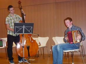 Photo: Das virtuose Duo Gass / Sperisen mit ihren hochkarätigen Vorträgen. Beide ca. 18 jährig.