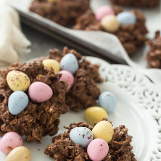 Easter No Bake Birds Nest Cookies (with Mini Eggs!) + VIDEO.