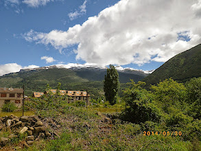 Photo: Les Pyrennées en fond