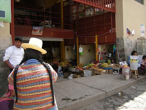 Photo: オリャンタイタンボ みんなが遺跡見学してる間ひとりで散策 コカの葉を購入