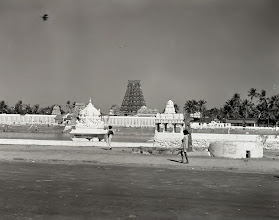Photo: Mylapore - Kapaleeswarar temple Tank