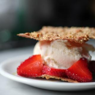 Crisp Wontons with Strawberries and Ice Cream