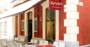 Situado en pleno centro de Almería se encuentra Entrefinos.