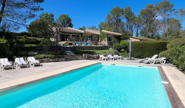 Maison avec piscine et jardin Saint-Paul-en-Forêt