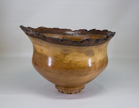 Photo: Joe Barnard Natural edge bowl