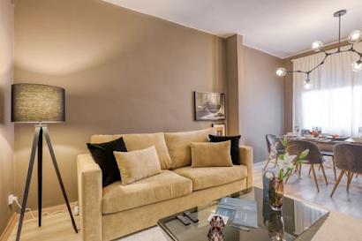 Carrer Rocafort Serviced Apartment, Barcelona