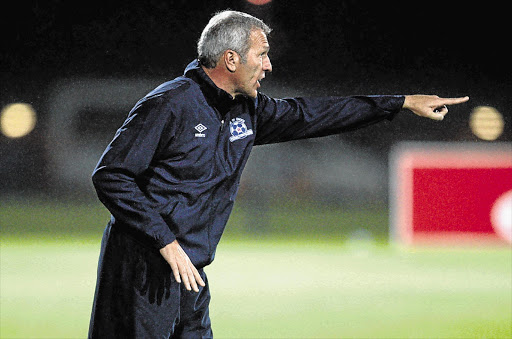 Ernst Middendorp returns to Kaizer Chiefs to replace Giovanni Solinas as coach.