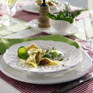 Selbstgemachte Ravioli mit Gorgonzolasoße
