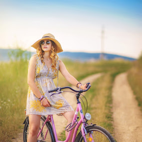 Road beauty  by Hurghis Vasile - People Portraits of Women ( colors, lifestyle, transportation, travel, light, people, portrait )