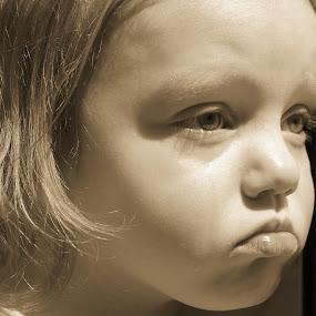 Sad Baby by Stephanie Munguia-Wharry - Novices Only Portraits & People ( girl, sad, candid, crying, kid )