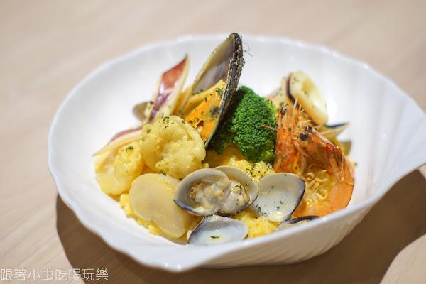 推薦料多新鮮味美的西班牙什錦海鮮燉飯 副餐食品也很精致美味 | A-Bull食藝