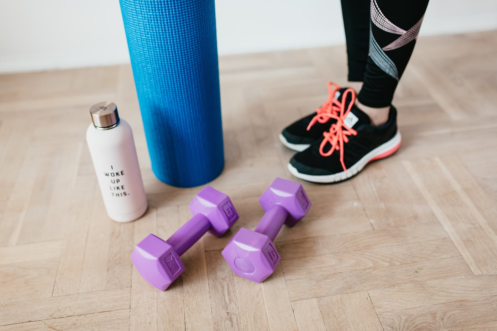2 - USE SMALL EXERCISE EQUIPMENT.