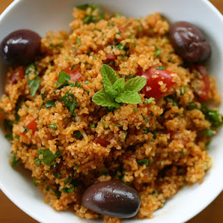 Kisir (Turkish bulghur wheat salad).