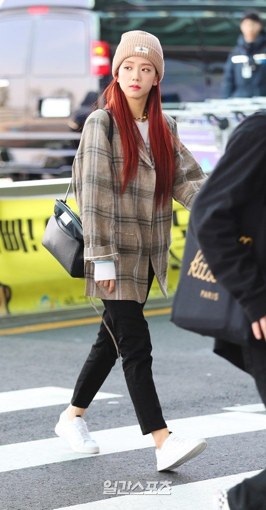 jisoo plaid 8