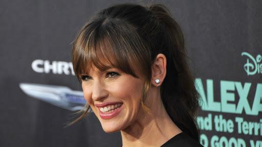 Ryan Reynolds, Blake Lively 'Play Matchmaker' For Jennifer Garner?