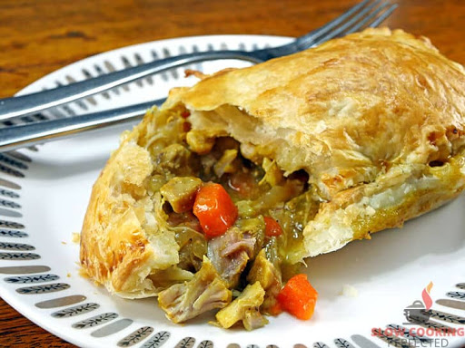 Slow Cooker Chicken Curry Pie Filling
