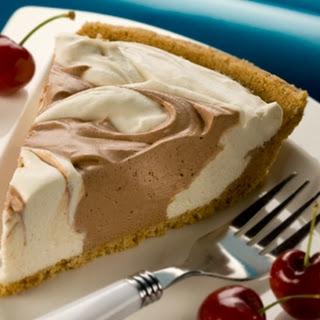 Chocolate Mallow Swirl Pie